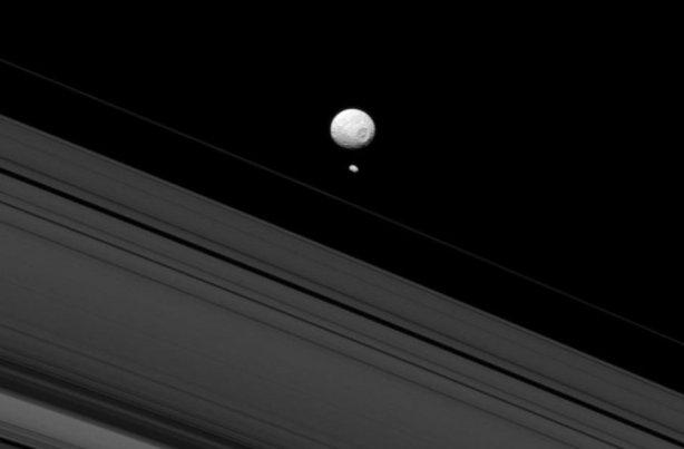 Mimas, la luna de Saturno, o la Estrella de la Muerte?
