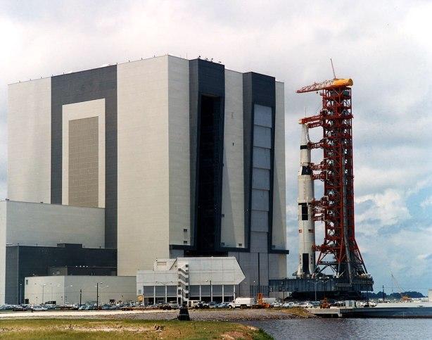 Transporte del Saturno V a su lugar de lanzamiento, 20 de mayo de 1969