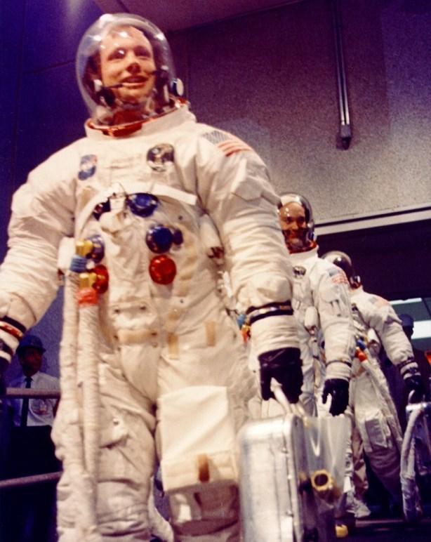 La tripulación del Apollo XI se dirige a la plataforma de lanzamiento, 16 de julio de 1969