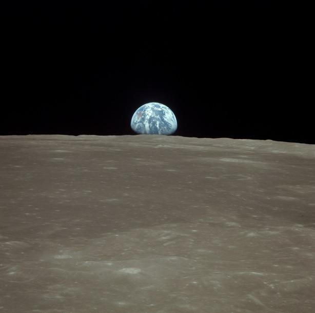 En órbita alrededor de la Luna